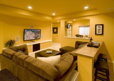 comfortable sofa hgtv flatscreen area