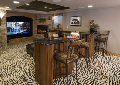 entertainment center, wet bar